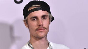 """L'artiste canadien Justin Bieber convoque Summer Walker, la star prometteuse du RnB américain, sur une nouvelle mouture de son tout dernier single """"Yummy""""."""