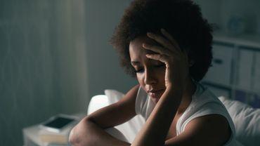 Alzheimer: une seule nuit blanche suffit à causer des dégâts cérébraux