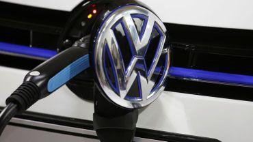 Volkswagen installera 36 000 bornes de recharge pour véhicules électriques en Europe d'ici 2025C