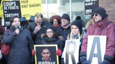 La santé du blogueur saoudien Raef Badaoui en danger, selon son épouse
