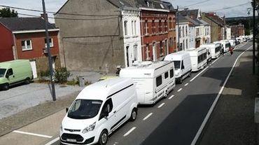 Fosses-la-Ville: obligés de partir, les gens du voyage ont manifesté leur colère
