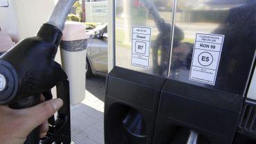 Le nouveau prix maximum du diesel B7 à la pompe sera d'1,2730 euro le litre
