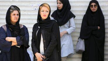 """Voile obligatoire en Iran: le gouvernement contre """"l'usage de la force"""""""