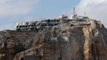 Falaises entourant le coeur historique de la ville chrétienne de Maaloula le 18 septembre 2013