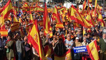 """Des manifestants à Madrid demandent """"une punition pour les putschistes"""""""