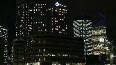 Le siège social du groupe Total, dans le quartier d'affaires de La Défense, près de Paris, le 28 novembre 2017