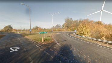 Le nouveau giratoire prendra place sur la chaussée de Lille à hauteur du pont qui enjambe l'autoroute Tournai-Lille.