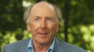 """Claude Pinoteau, en 2006, lors de la onzième édition de la manifestation littéraire """"La forêt des livres""""."""