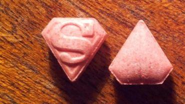 Le danger de ces pilules est la lenteur d'apparition des effets, ce qui incite les consommateurs à penser qu'ils ont une faible dose et qu'ils peuvent en prendre davantage.