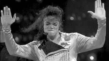 """Michael Jackson: les chaussettes du """"Moonwalk"""" en vente"""