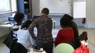 """En Flandre, les cours d'""""inburgering"""" sont destinés à renforcer l'intégration des étrangers"""