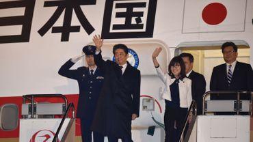 japonais Flight attendant sexe le redtybe