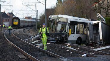 L'accident est survenu sur un passage à niveau. Les circonstances de celui-ci ne sont pas encore connues.
