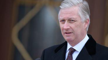 Le roi Philippe rend visite aux futurs instituteurs bilingues à Bruxelles