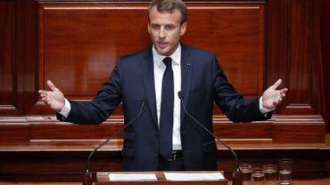 """Emmanuel Macron: la République """"n'a aucune raison d'être en difficulté avec l'islam"""""""