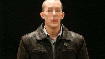 Quentin Hottat a été reconnu coupable ce mercredi aux Assises du Hainaut du meurtre de sa mère à Quevaucamps à la mi-août 2014.