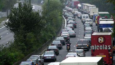 Embouteillages sur l'E411.