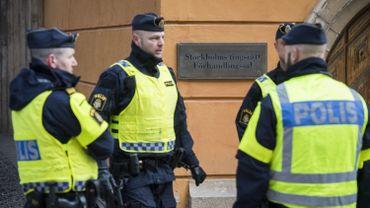 La deuxième personne placée en garde à vue dimanche dans l'enquête sur l'attentat au camion bélier le 7 avril à Stockholm, a été libérée mardi et n'est plus suspecte, ont indiqué les procureurs en charge du dossier.