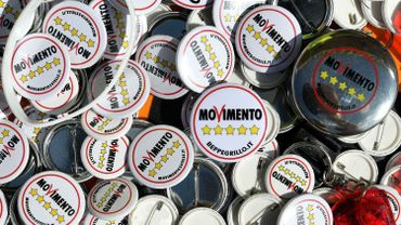 Les populistes espèrent conquérir la Sicile, avant l'Italie, sur fond de corruption