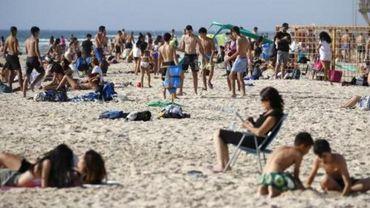 Israël assouplit le port du masque en raison de la chaleur