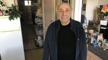 Lorne, 73 ans vit dans l'appartement depuis 25 ans
