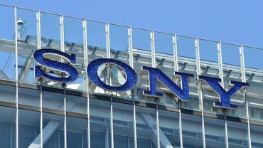 Le logo du fleuron nippon de l'électronique Sony à son siège à Tokyo le 29 juillet 2016