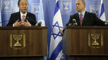 Le secrétaire général de l'ONU Ban Ki-Moon en conférence de presse avec le Premier ministre israélien Benjamin Netanyahu, à Tel Aviv, au sujet du conflit sanglant dans la Bande de Gaza