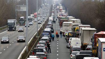 Image d'illustration: un embouteillage sur le ring de Bruxelles en février 2015