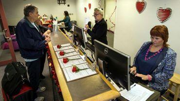 Le comté de Clark a ouvert jusqu'au 17 février 2018 un bureau temporaire à l'aéroport de Las Vegas, Nevada, pour délivrer des licences de mariage