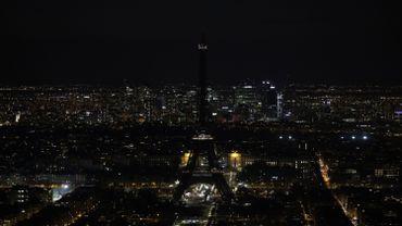 """La Tour Eiffel, samedi 30 mars, 2019, pour l'""""Earth Hour"""""""