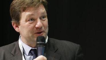Gilles Ledure reçoit les insignes de chevalier de l'Ordre des Arts et des Lettres