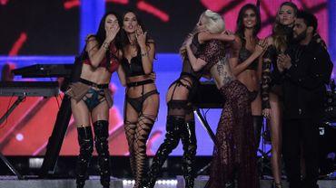 Les Anges de Victoria's Secret ont fait le show à Paris pour le traditionnel défilé.
