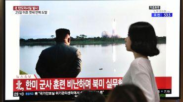 """Kim qualifie les derniers tirs nord-coréens d'""""avertissement"""" aux Etats-Unis et à la Corée du sud"""