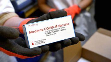 Coronavirus : accord d'achat anticipé pour 500 millions de doses du vaccin Moderna (Gavi)
