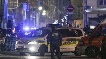 """Fusillade à Strasbourg: """"du sang et des douilles"""" sous les illuminations de Noël"""