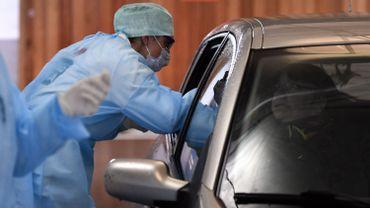 Un système de drive-in avait déjà été installé début mars à l'hôpital de la citadelle, à Liège.