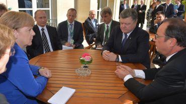 """Paris appelle Russie et Ukraine à """"se montrer à la hauteur des enjeux"""""""