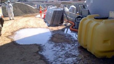 Une fuite d'eau radioactive sur le  site de la centrale nucléaire de Tepco à Fukushima, le 13 avril 2014