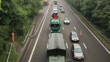 Coup d'envoi des travaux sur l'E411: 7 km de bouchons et 40 minutes de perdues.