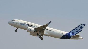 L'Airbus A320neo prend son premier envol pour un test le 25 septembre 2014 à Blagnac, près de Toulouse