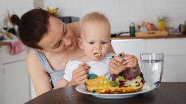 Un petit lien établi entre nourriture solide et sommeil de bébé (étude)