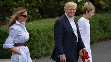"""Trump défend sa présidence, répétant son accusation de """"chasse aux sorcières"""""""