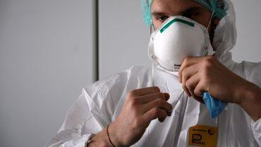 En Italie, l'épidémie de coronavirus semble continuer à ralentir