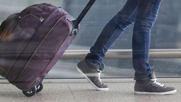 """D'après l'étude les valises à roulettes bringuebalent en raison d'une """"instabilité mécanique""""."""