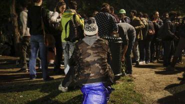 Journée internationale des migrants: le froid, principal ennemi au Parc Maximilien