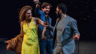 """Sarah Messens, Jérémie Siska et Pierange Buondelmonte dans """"Où suis-je? Qu'ai-je fait? de Pauline d'Ollone"""""""