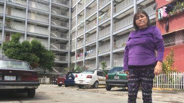 """""""Ana, la femme de Carlito, vit des quelques dollars envoyés chaque mois par sa fille. Celle-ci a quitté le pays il y a trois ans pour aller travailler aux Etats-Unis."""""""