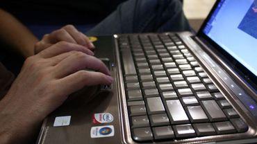 Manifestement, la fiabilité des connexions informatiques n'est pas encore suffisante pour pouvoir organiser des épreuves en ligne...