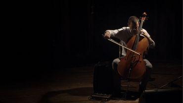 Matthieu Saglio en concert à l'Hôtel de ville de Bruxelles, un évènement organisé par la Fondation internationale Yehudi Menuhin
