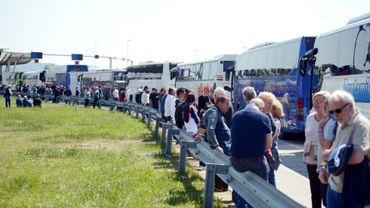 Le renforcement des contrôles antiterroristes à l'entrée de l'espace Schengen provoque de nouveaux encombrements monstres à la frontière croato-slovène, le 14 avril 2017 à Bregana près de Zagreb